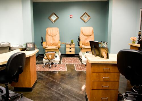nail-salon-seating